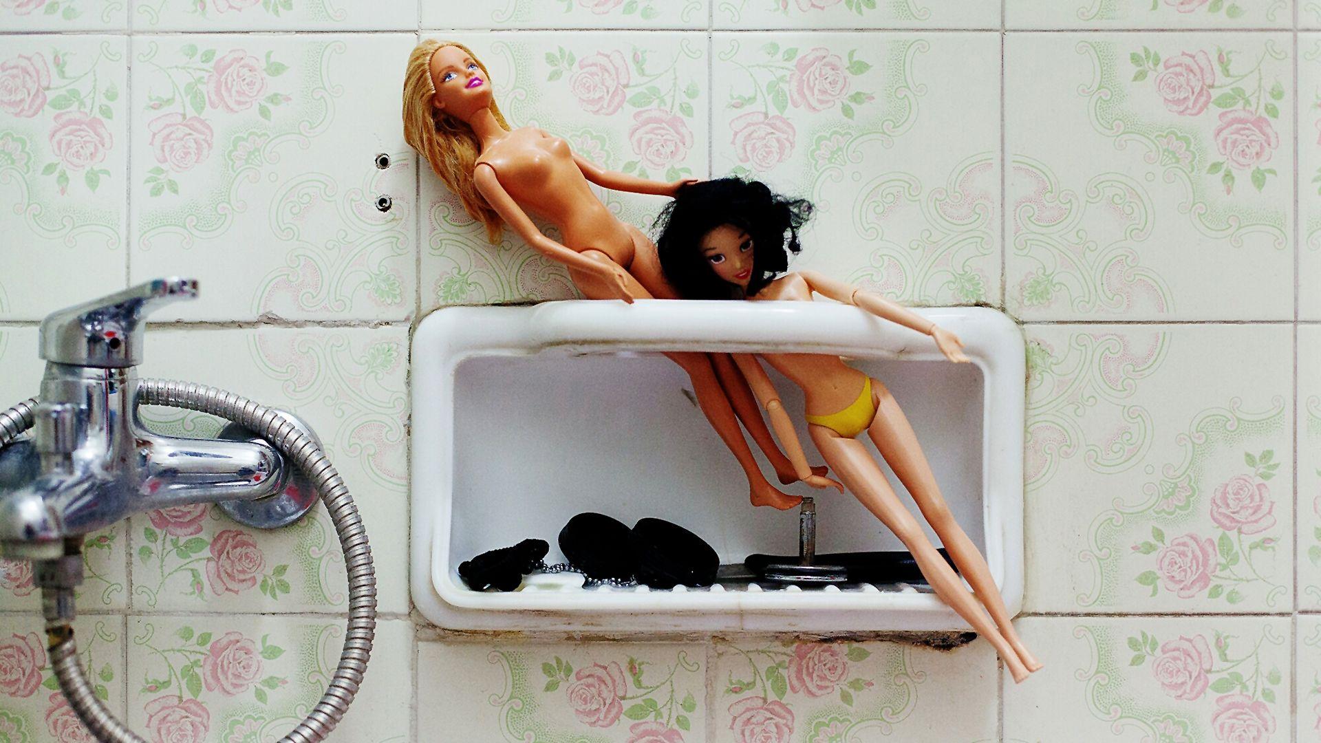 jógázó barbie baba ismerteti meg a gyereket az énidővel