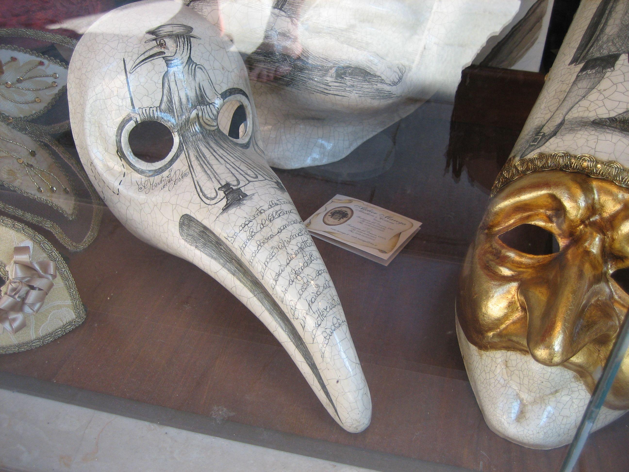 Csőrős maszk a velencei karneválról (fotó: Wikipedia)