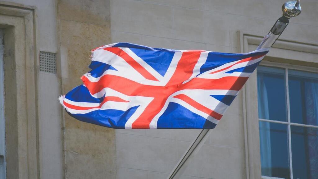 Steven Dick brit nagykövet-helyettes a koronavírus egyik itthoni áldozata. Fotó: Chris Lawton on Unsplash