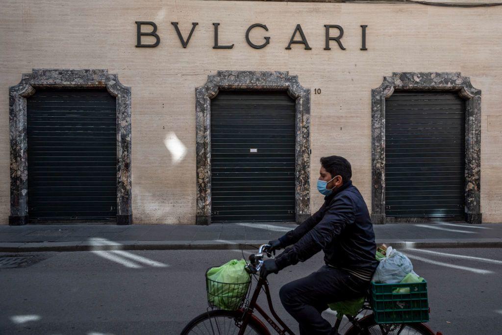 A Bvlgari egyik bezárt üzlete Rómában, a Via del Corson (Fotó: Antonio Masiello/Getty Images)