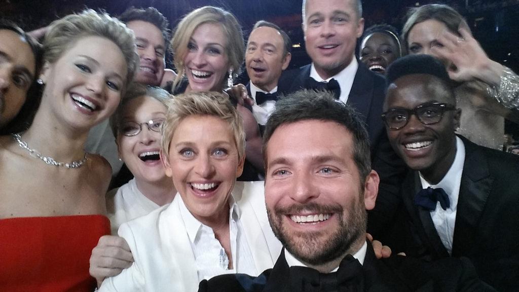 """Ellen DeGeneres legendás """"Oscar-szelfije"""" a 2014-es gáláról (Fotó: Getty Images)"""