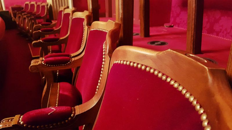 színház szék
