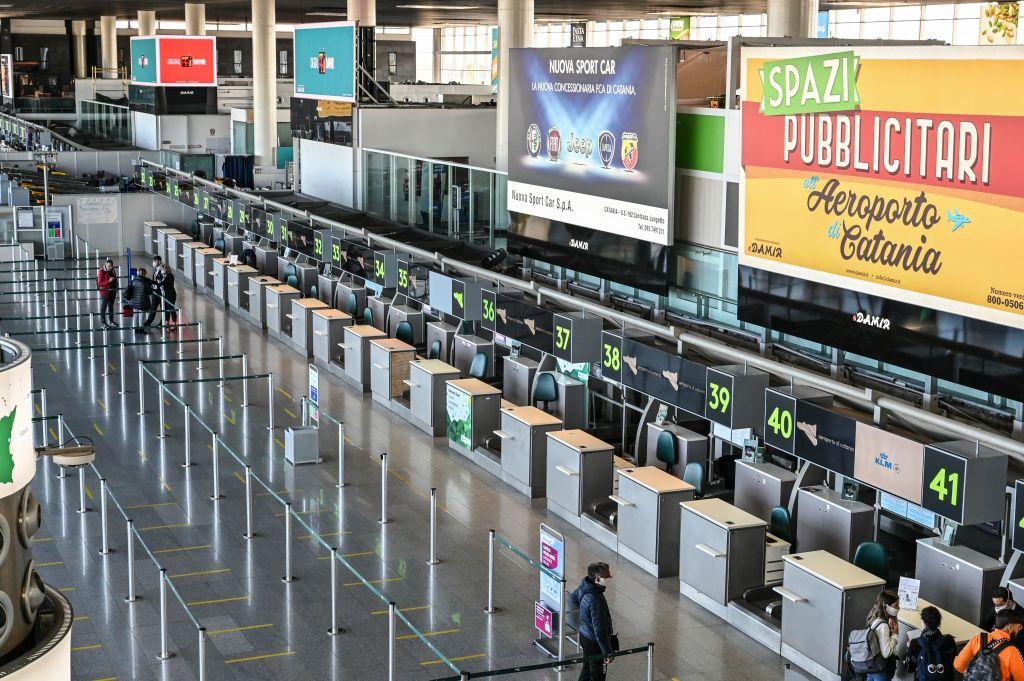 Nincsenek utasok a reptéren Szicíliában a koronavírus miatt