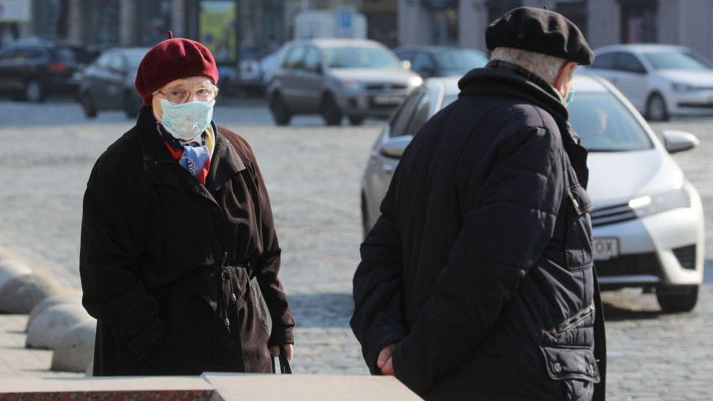 koronavírus, idősek