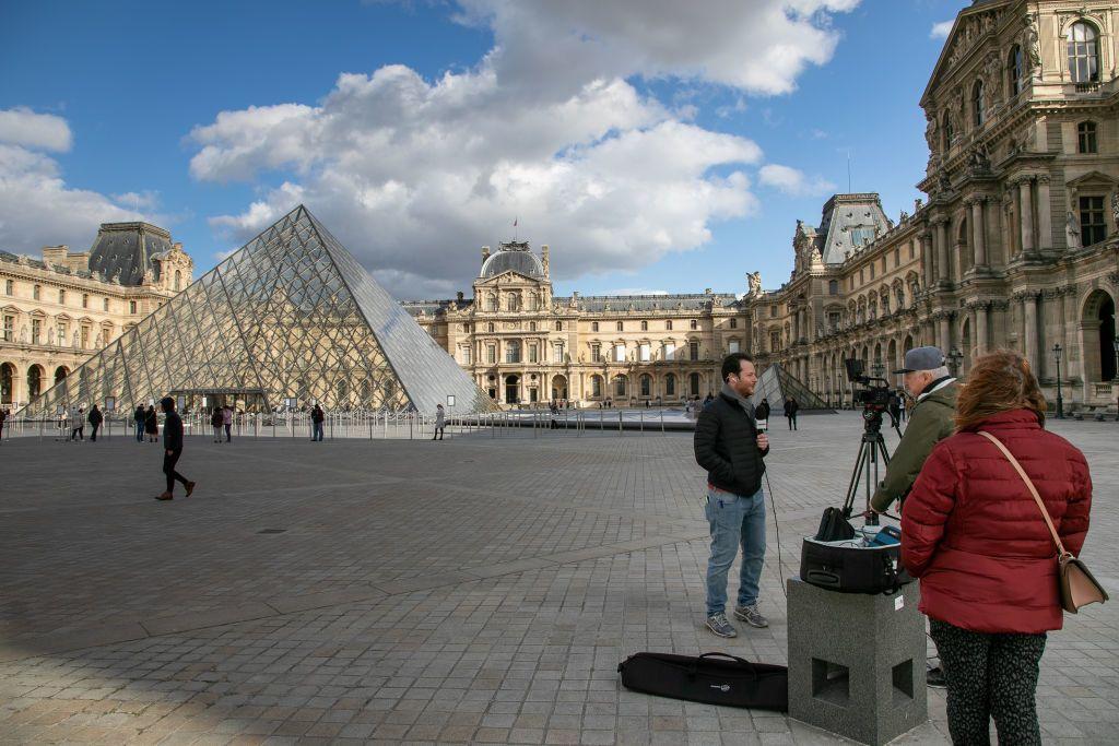 Párizsban is elmarad a tömeg