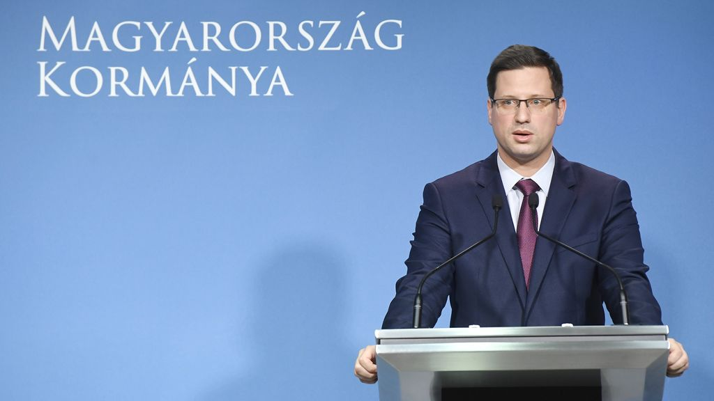 Budapest, 2020. március 11. Gulyás Gergely Miniszterelnökséget vezető miniszter a koronavírus-fertőzés elleni védekezésért felelős operatív törzs sajtótájékoztatóján a Miniszterelnöki Kabinetiroda sajtótermében 2020. március 11-én. Fotó:MTI/Koszticsák Szilárd