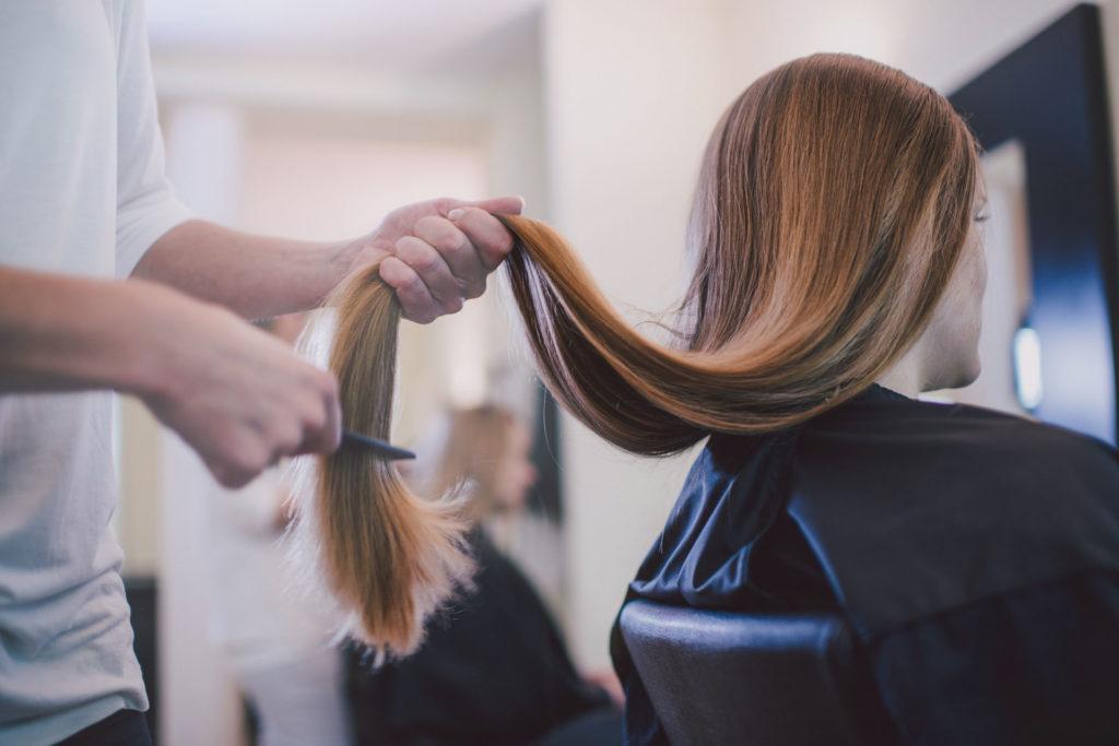 Szerencsére már Magyarországon is divatos lett hajat adományozni (Fotó: Getty Images)