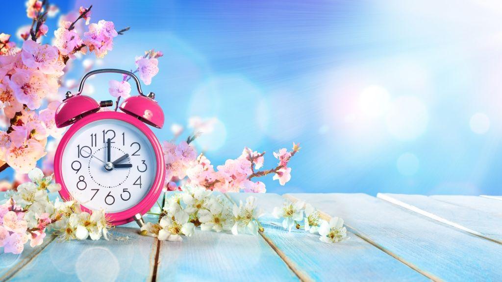Vasárnap hajnali 2 óráról 3-ra kell átállítani az órákat. Kezdődik a nyári időszámítás (fotó: Getty)