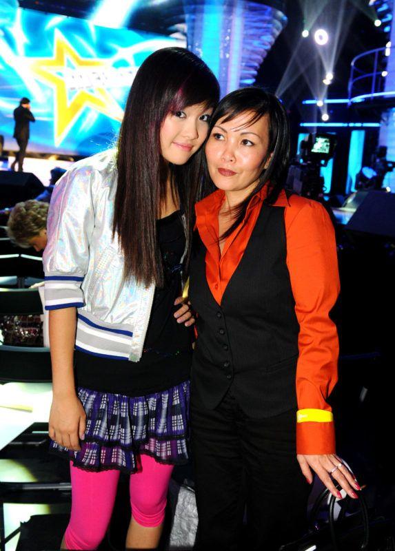 Nguyen Thanh Hien és édesanyja a Megasztár negyedik évadában (Fotó: Schumy Csaba)