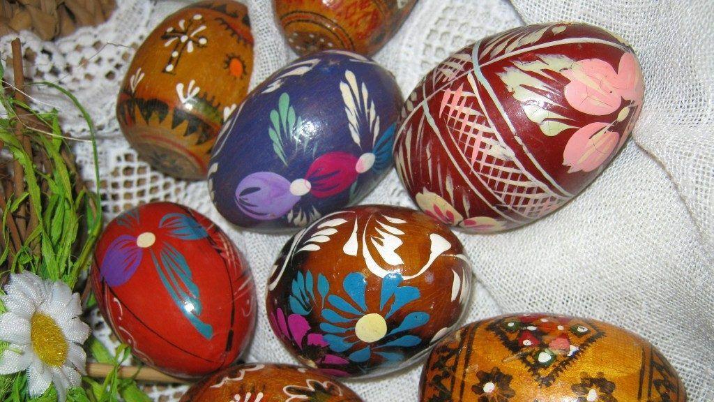 Törhetetlen fa tojások (Fotó: Galeria Savaria)