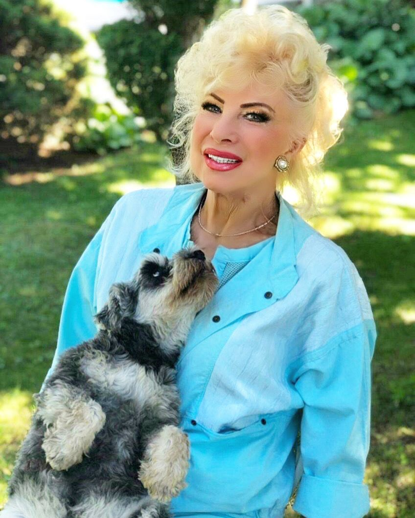 Ilona az egyik kutyájával (Fotó: Medveczky Ilona)