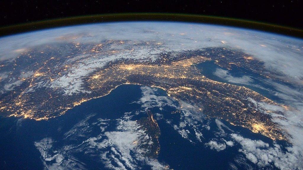 Fontis ponthoz érkezett a Föld nevű bolygó
