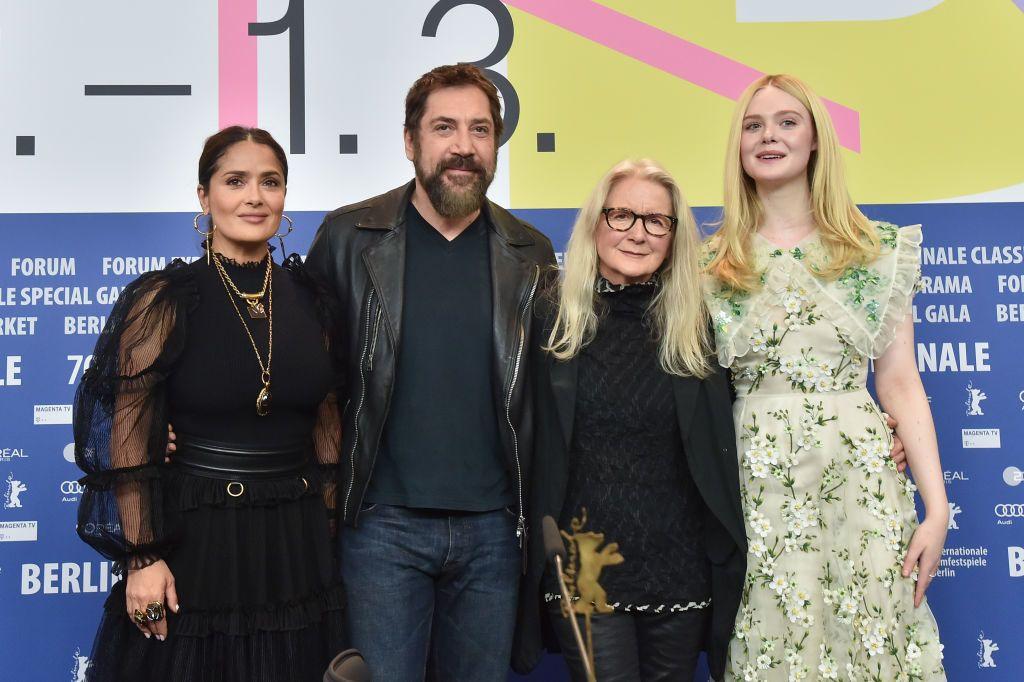 Salma Hayek, Javier Bardem, Sally Potter rendező és Elle Fanning a The Roads Not Taken c. film sajtótájékoztatóján (Fotó: Stephane Cardinale - Corbis/Corbis via Getty Images)