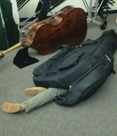 Hangszertokokba bújnak az új netes kihívás miatt