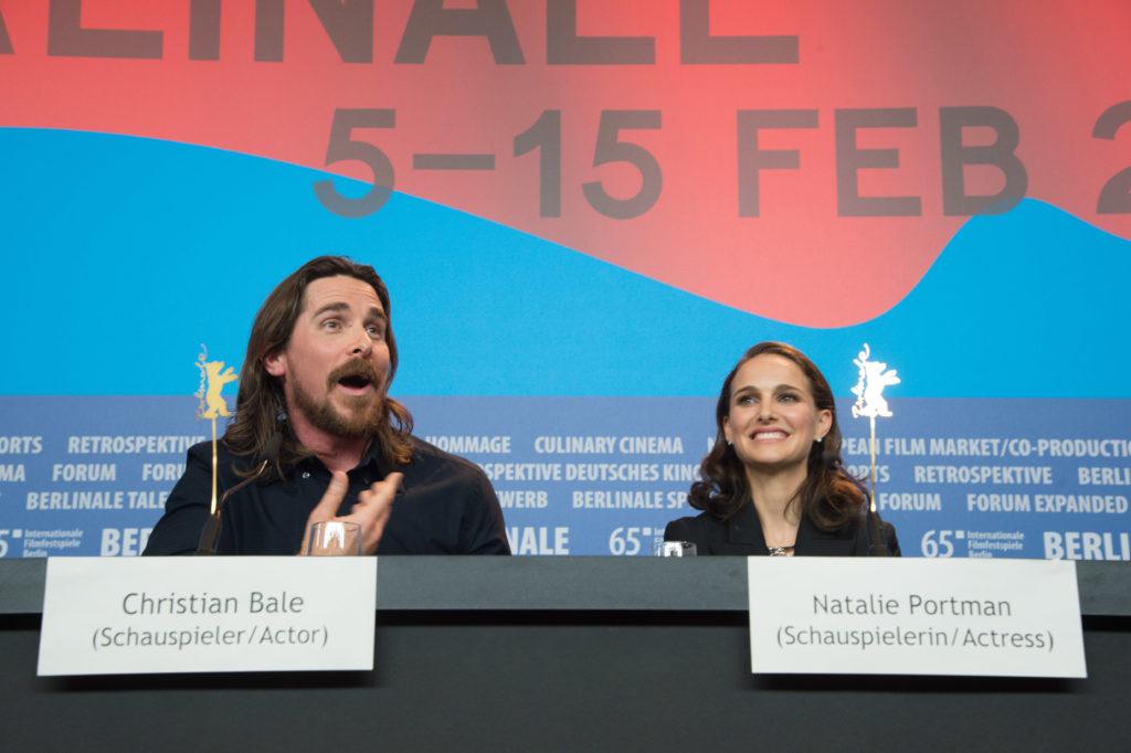 Christian Bale és Natalie Portman a Knight of Cups sajtótájékoztatóján (Fotó: Stephane Cardinale/Corbis via Getty Images)