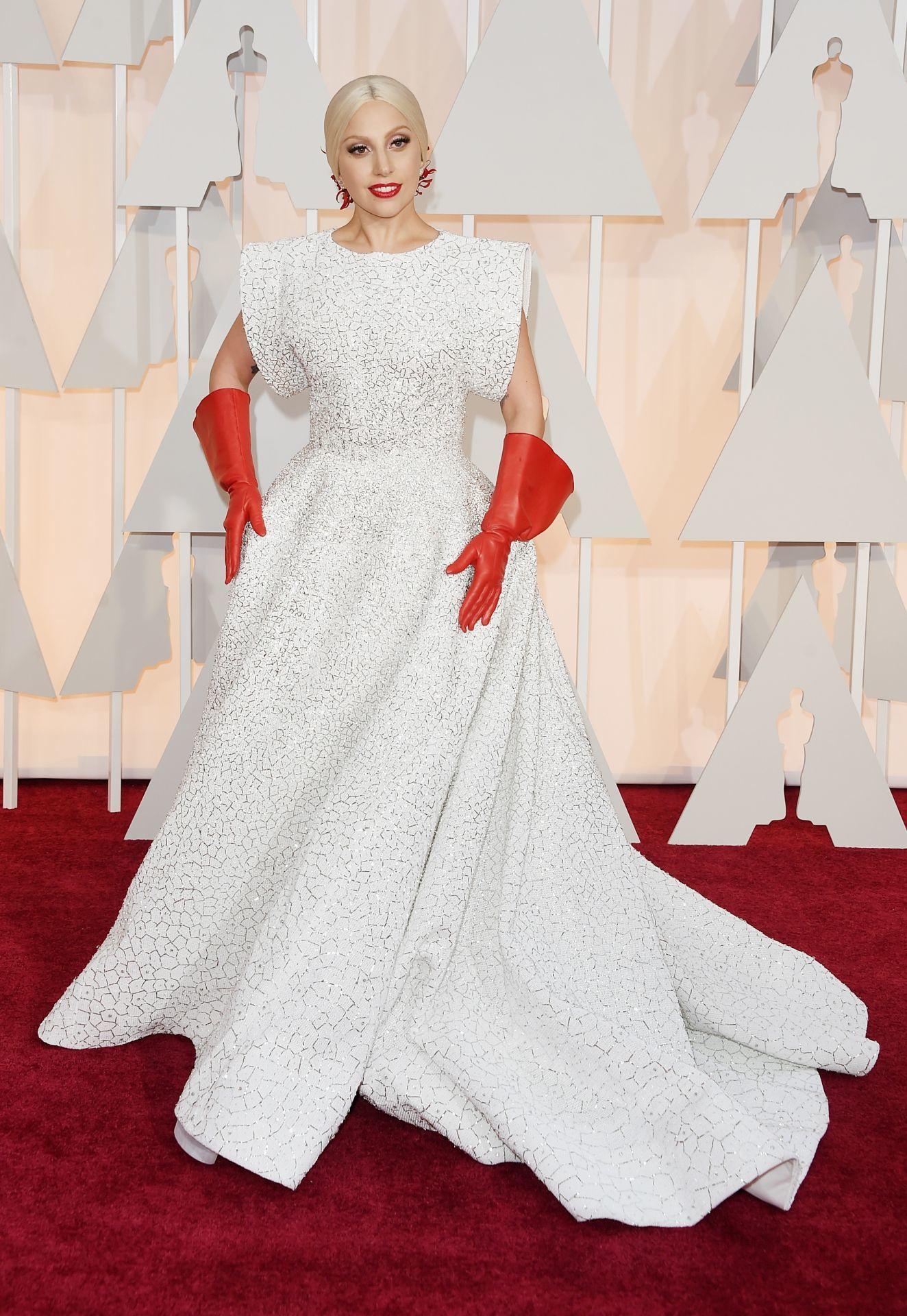 Lady Gaga a 2015-ös Oscar-gálán