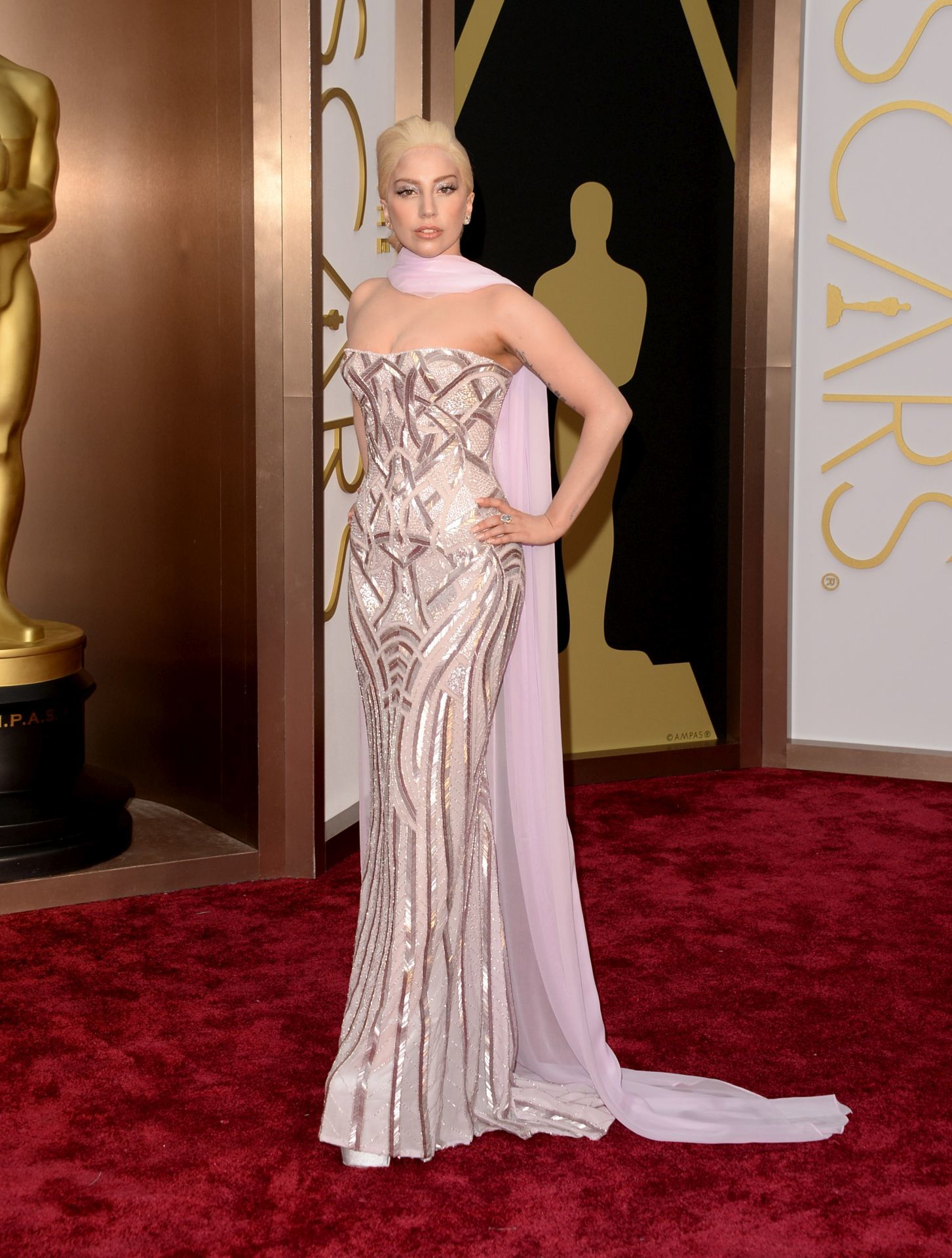 Lady Gaga a 2014-es Oscar-gálán