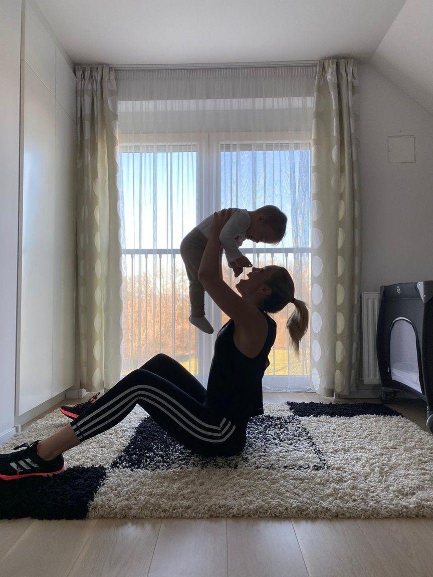 Kiss Ramóna a kisfiával, Noéval (Fotó: Adidas)