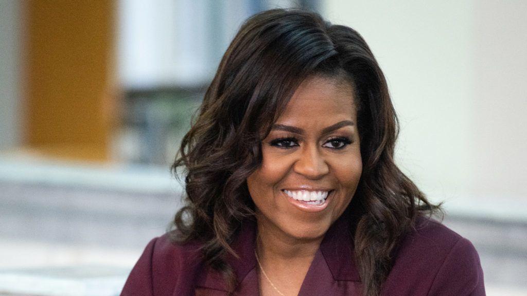Michelle Obama zenével lazít az otthoni karantéban