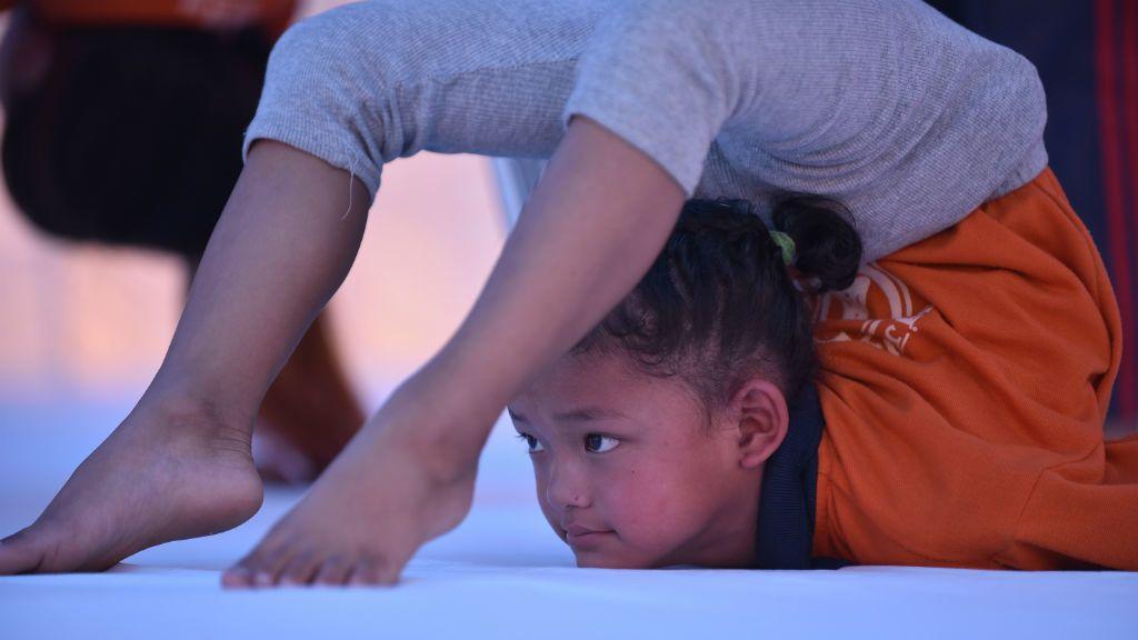 nepál jóga gyerek