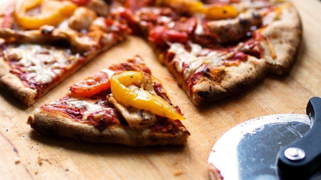 pizza pizzafutár ételfutár