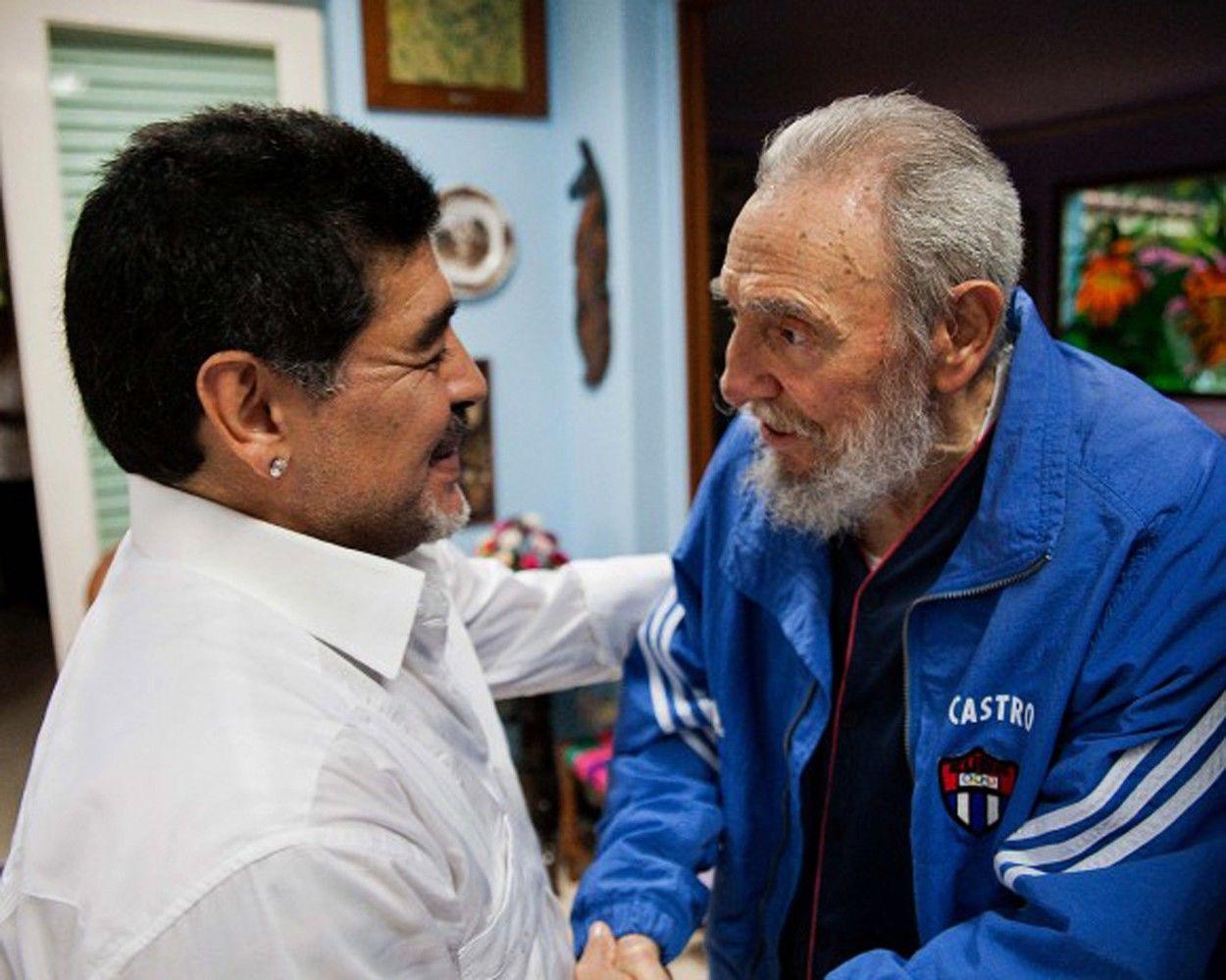 Fidel Castro és Diego Armando Maradona 2013-ban, Havannában. (Fotó: Cubadebate / Zuma Press / Profimedia)
