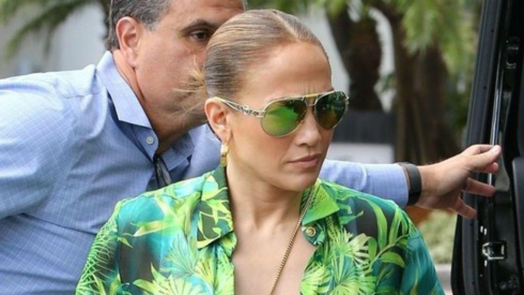 Jennifer Lopez versace ruha