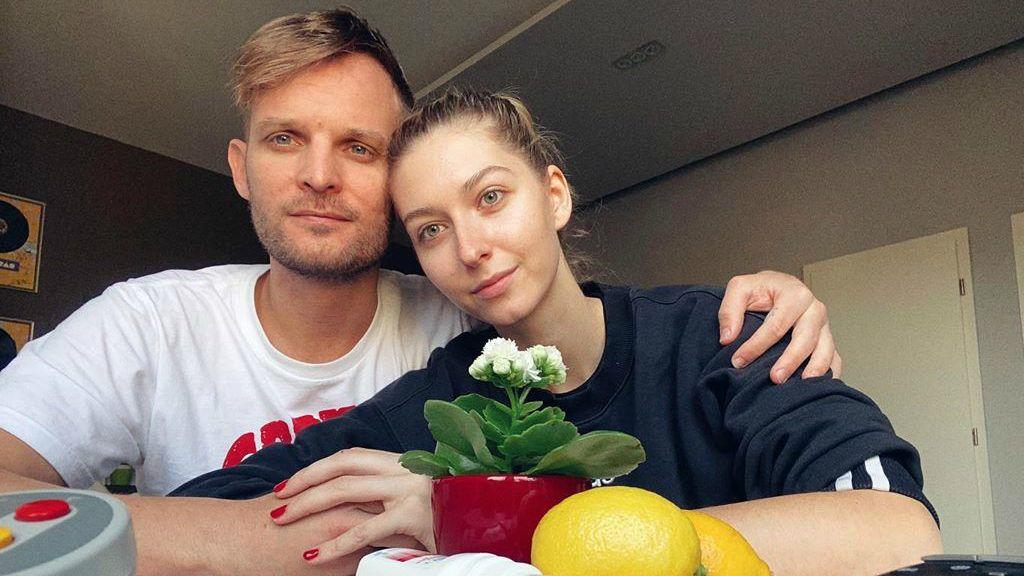 Dallos Bogi és Puskás Peti a bejelentés óta otthon vannak (Fotó: Instagram)