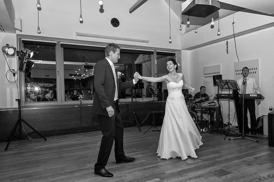 Várandósan házasodtak