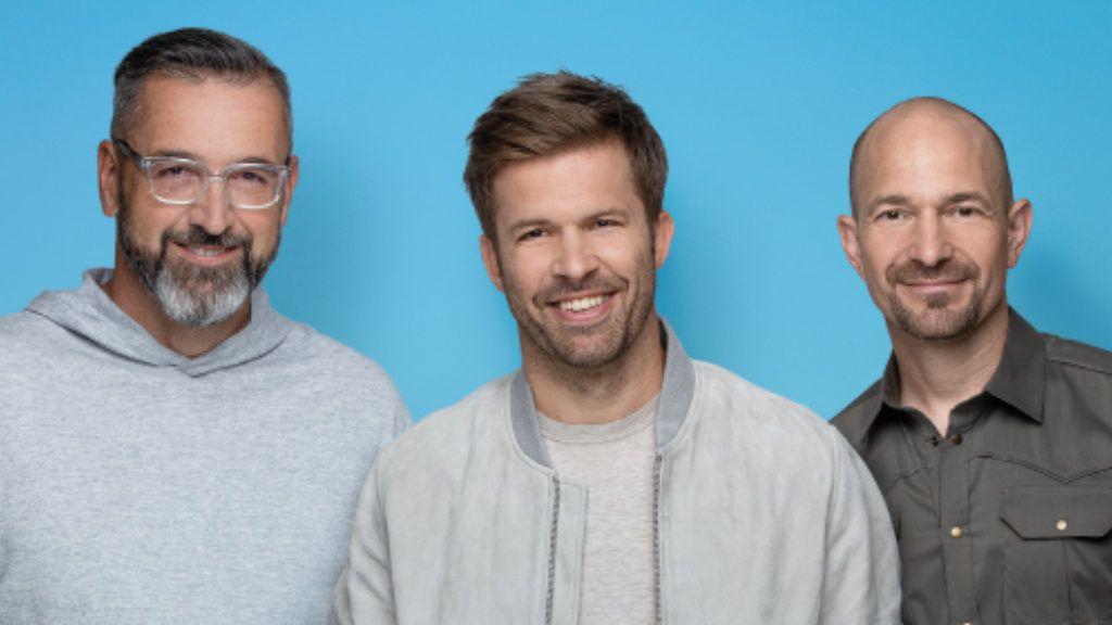 Sebestyén Balázs, Rákóczi Feri és Vadon Jani a Rádió 1 csapatával együtt a #maradjotthon - mozgalmat támogatja