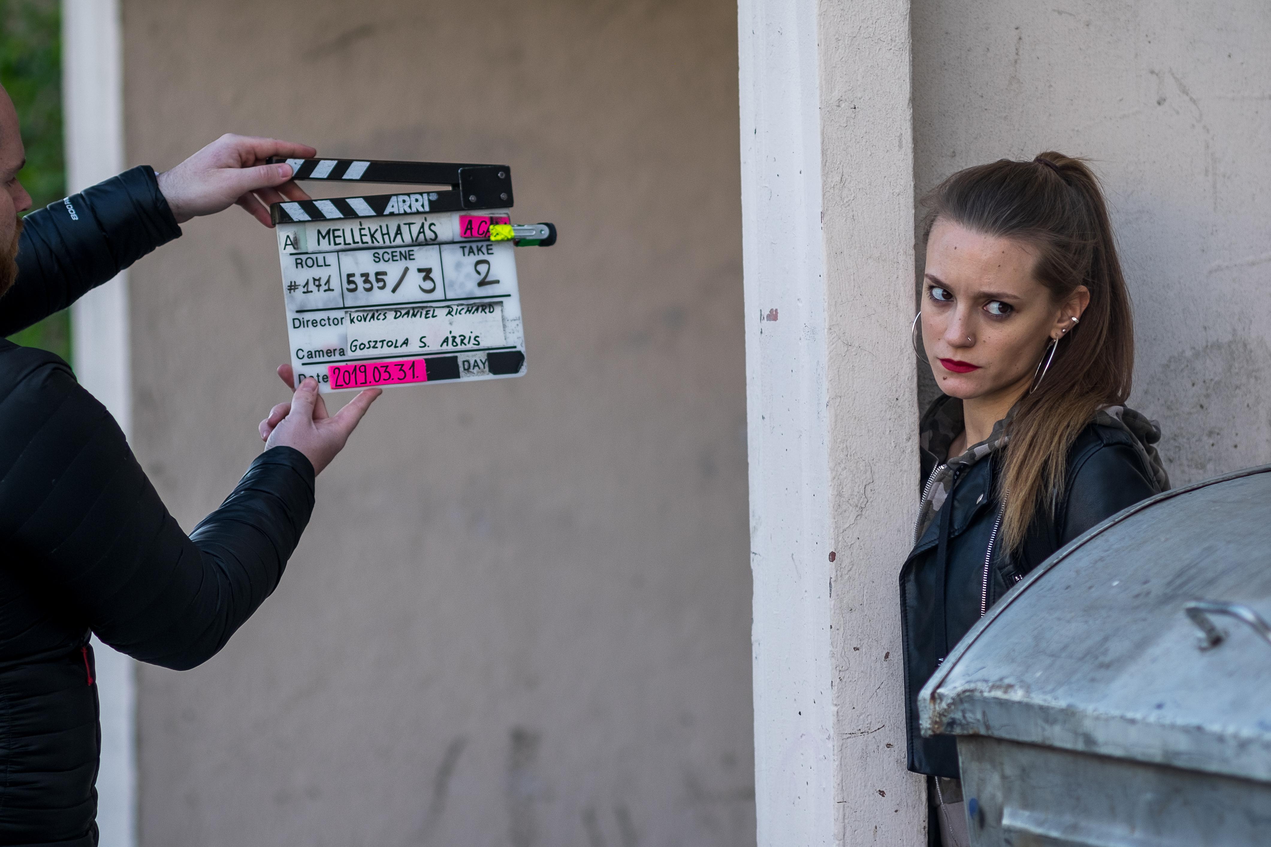 Sztarenki Dóra is szerepel a Mellékhatás című sorozatban (Fotó: RTL Klub)