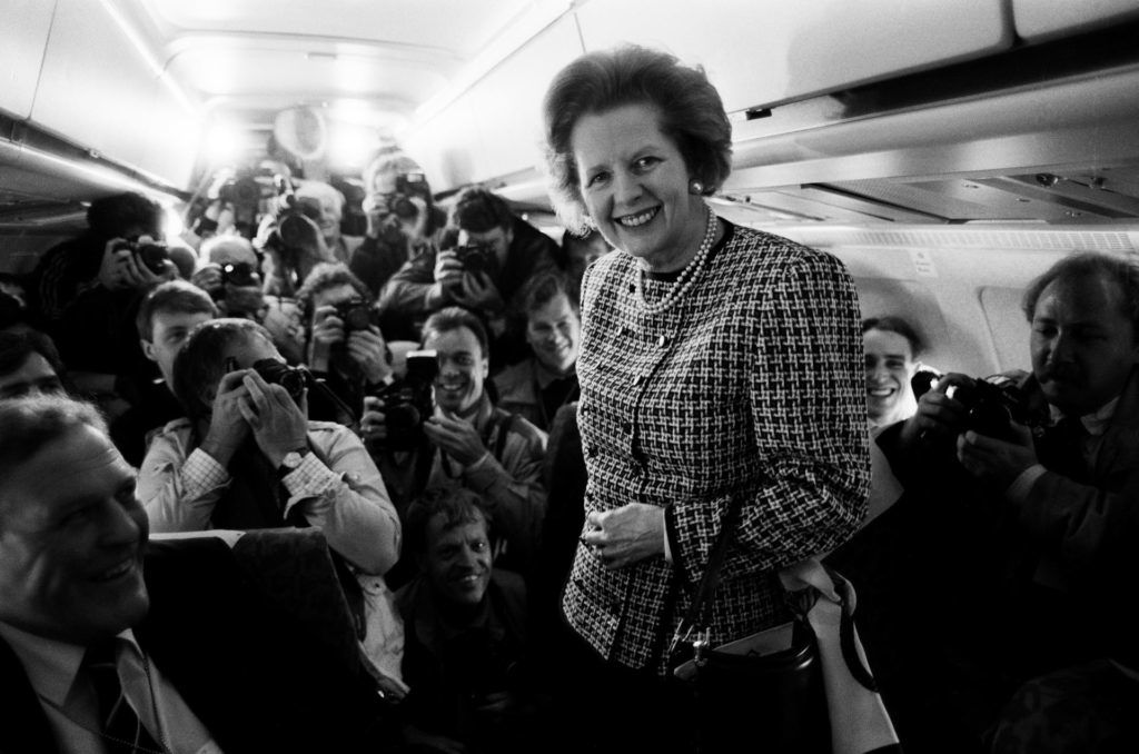 Margaret Thatcher magánrepülőgépén az 1985-ös választási kampány idején (Fotó: Tom Stoddart/Getty Images)