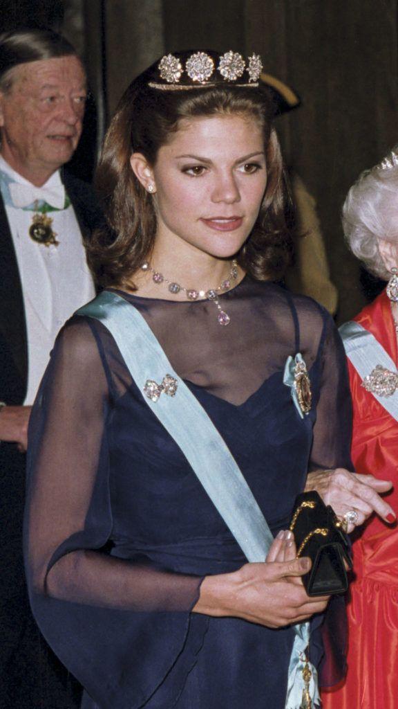 Viktória hercegnőre alig lehet ráismerni ezen az 1997-es felvételen (Fotó: Julian Parker/UK Press via Getty Images)