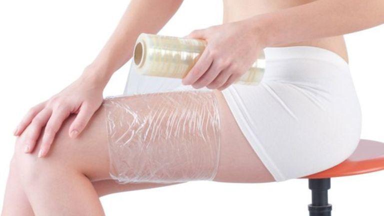 A celofános fogyókúra nem fogyaszt le, de az izzadás jó tehet a bőrnek - persze csak ha mértékkel alkalmazod!
