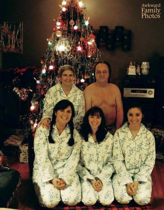 Vállalhatatlan családi fotók újratöltve