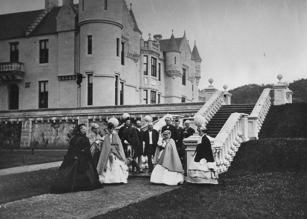 A Balmoral kastély vendégei egy partyn, 1880 körül (Fotó: Hulton Archive/Getty Images)