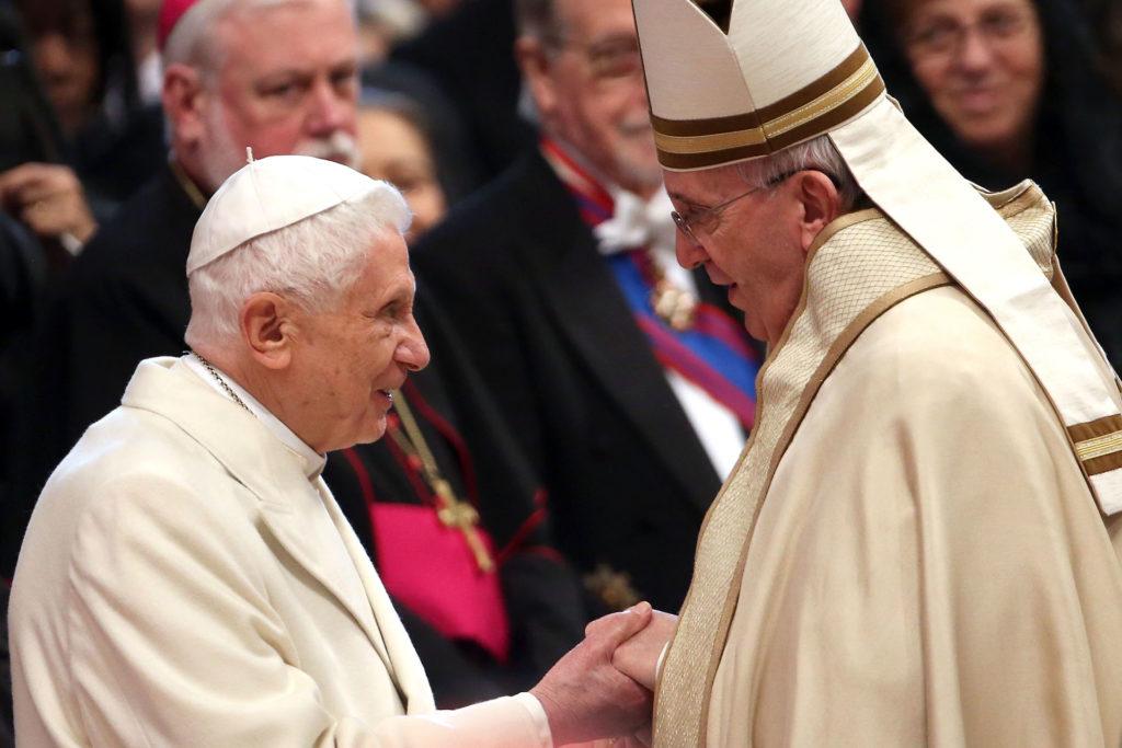 XVI. Benedek pápa és Ferenc pápa (Fotó: Franco Origlia/Getty Images)