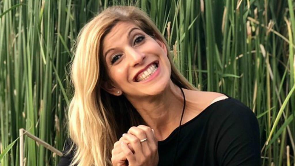 Béres Alexandra mosolyog