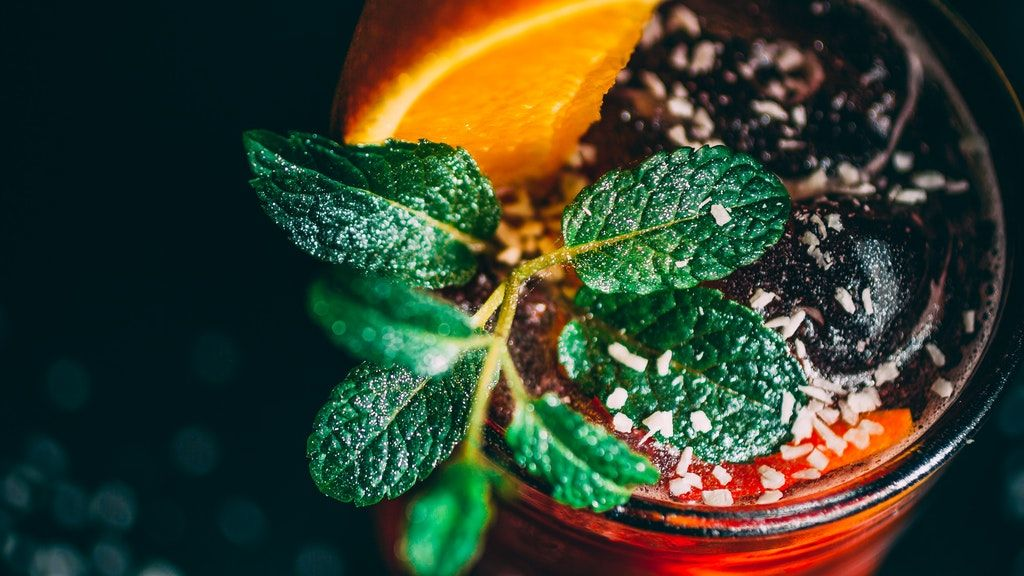 Gyógynövényekkel több ezer éve gyógyítanak.