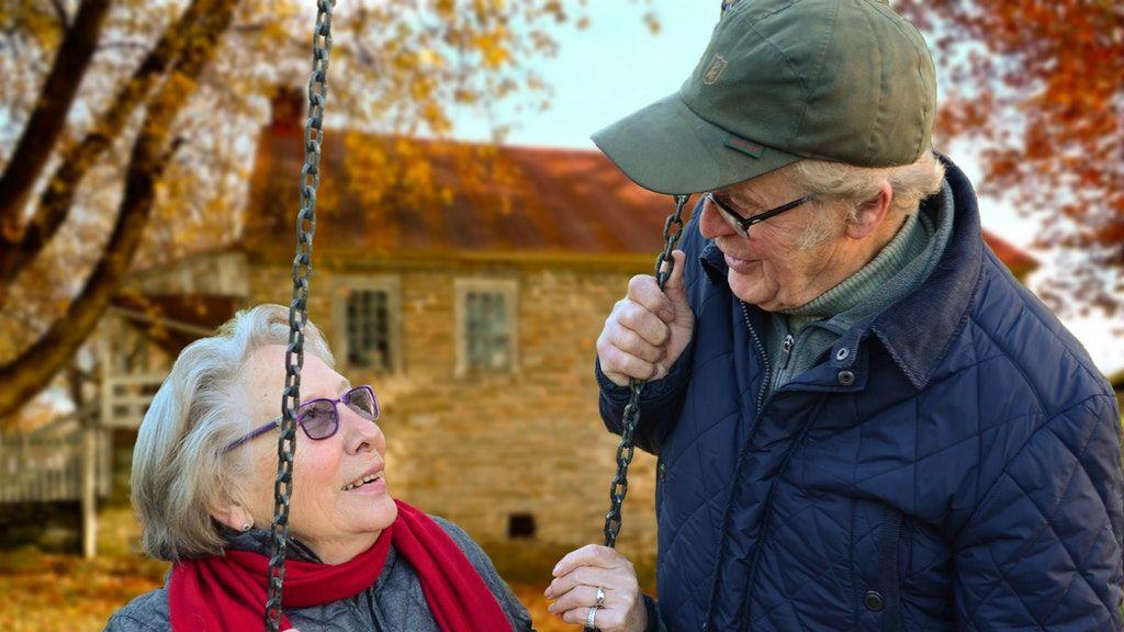 Sok idős ember magányos.