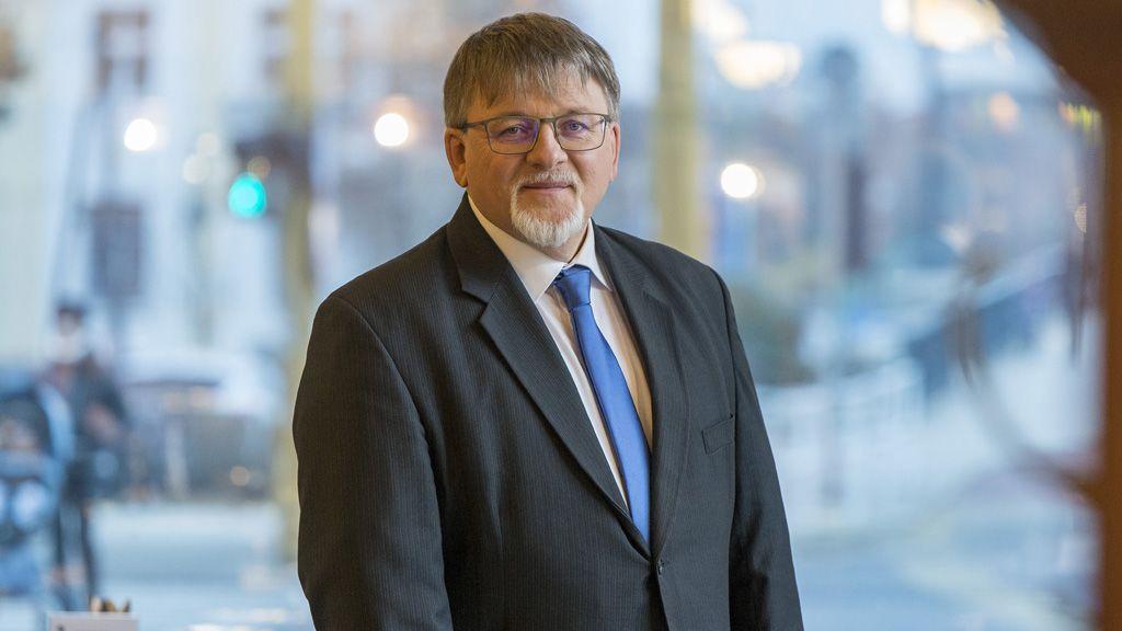 Gyõr, 2019. december 6. Dézsi Csaba András kardiológus főorvos, önkormányzati képviselő, a Fidesz-KDNP gyõri polgármesterjelöltje a jelöltbejelentő sajtótájékoztató után / Fotó: MTI/Krizsán Csaba