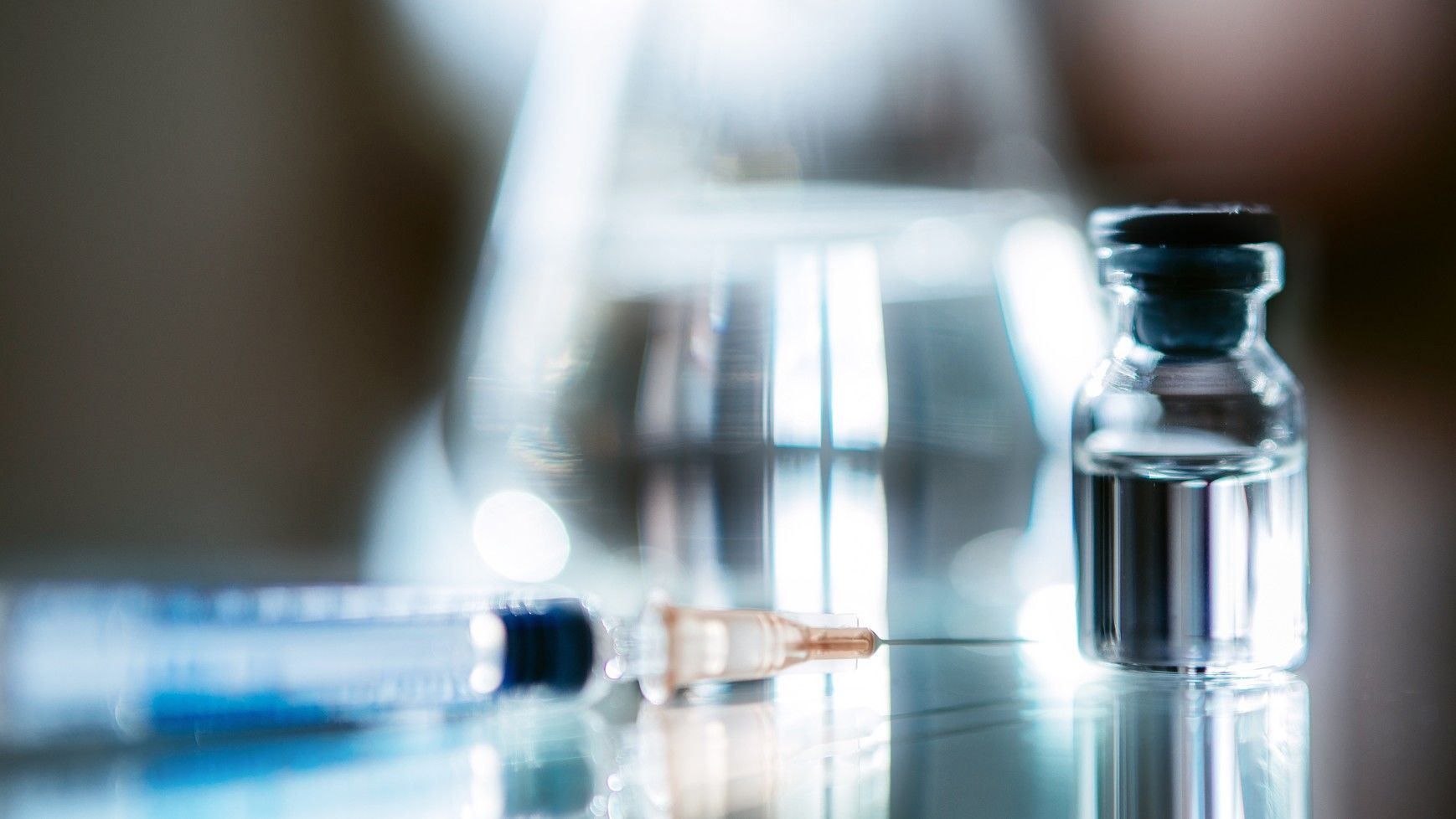 Kezdődhet a koronavírus elleni oltóanyag emberi tesztelése