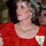 Diana hercegnő 1983-ban. Ő is kapott a királynőtől királyi családi rangjelzést.