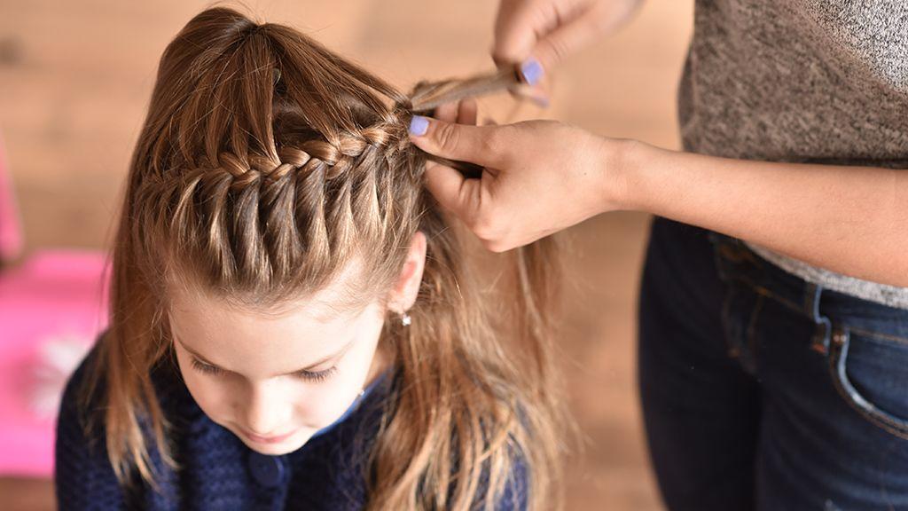 Bemutatjuk a YouTube legnépszerűbb hajfonást tanító videóit, nektek is segítségetekre lesznek.