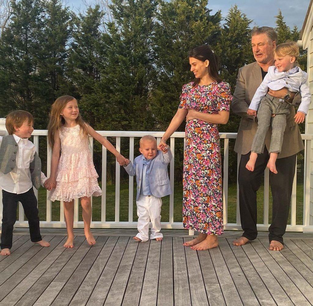 Hilaria Baldwin pocakja már szépen gömbölyödik, a kicsi lesz Alec Baldwinnal az ötödik közös gyerekük (Fotó: Instagram)