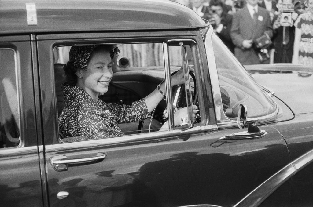 II. Erzsébet imádja az autóit