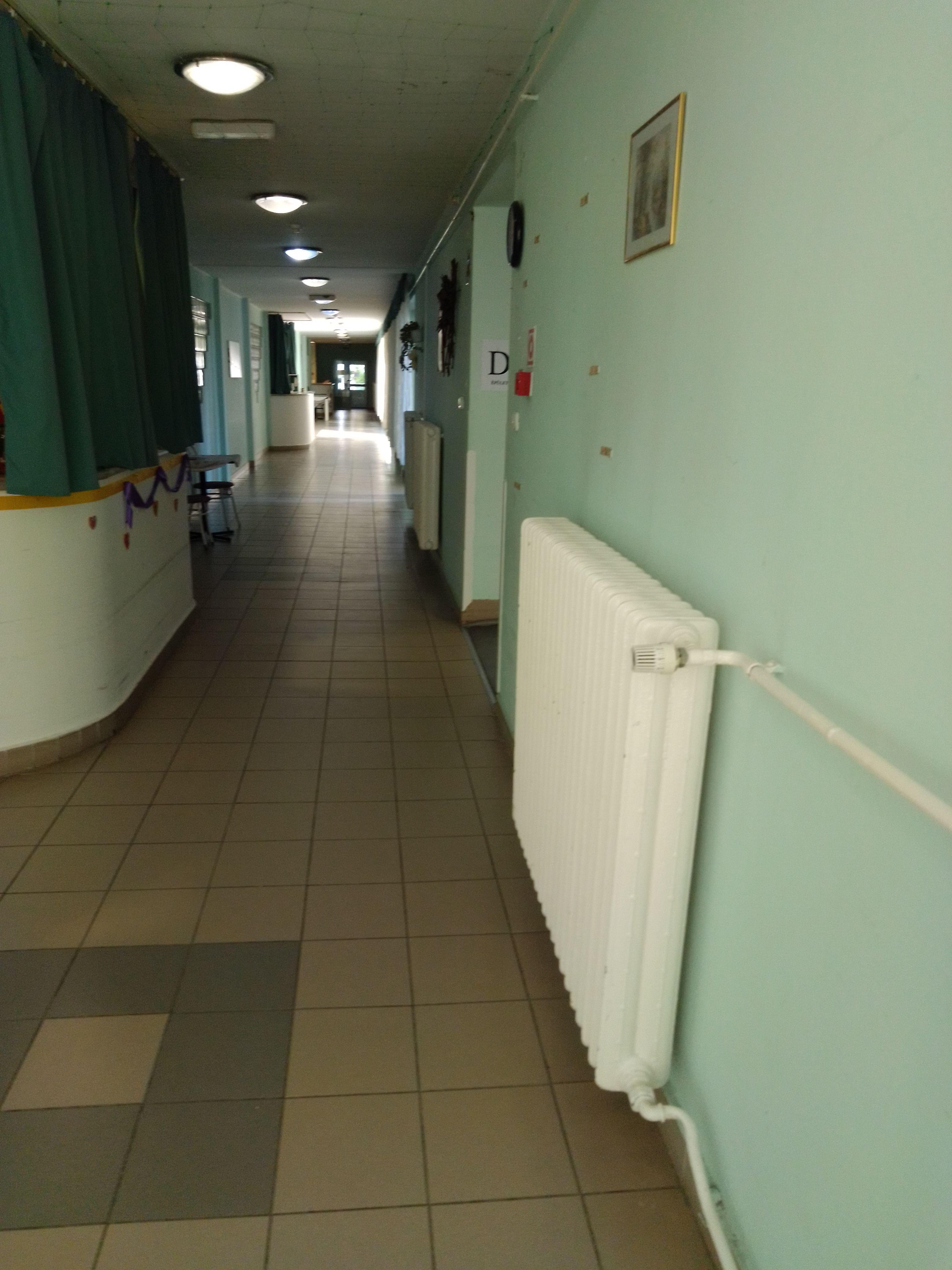 Kihalt folyosók a csepeli Olajág Idősek Otthonában (Fotó: magánarchívum)