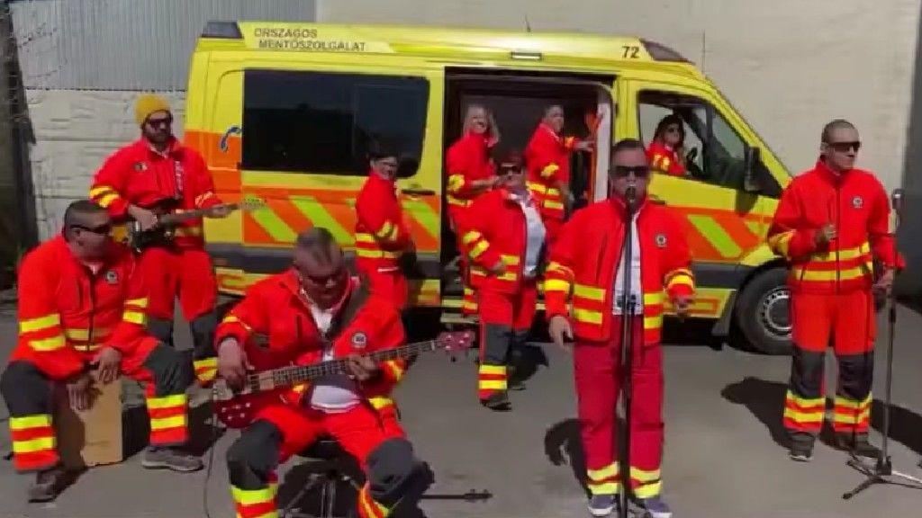 mentők dal