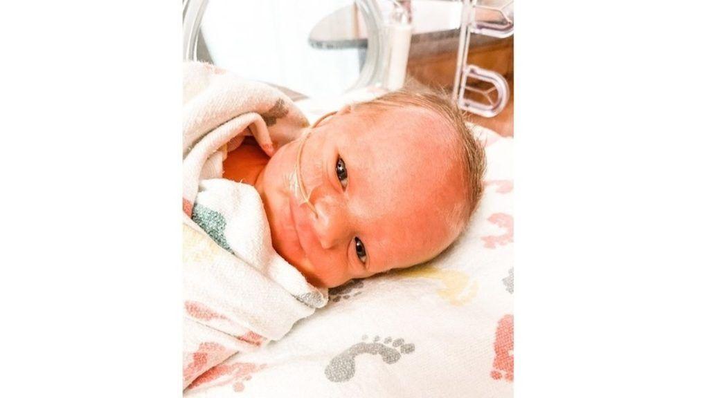 A kisbaba szerencsére nem fertőződött meg a vírussal. Forrás: Instagram