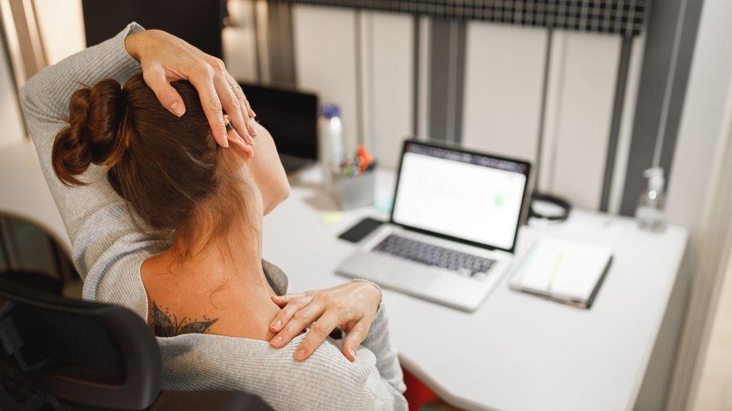 Egyszerű gyakorlatok nyakfájás ellen